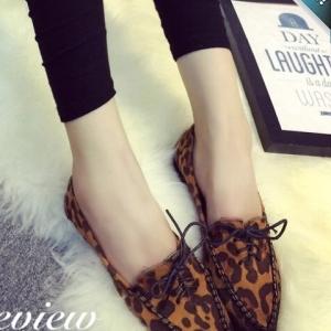รองเท้าแฟชั่นส้นเตี้ยลายเสือดาว หัวแหลม หนังสักราจเย็บ มีเชือกผูก น่ารักๆ แนววินเทจ แฟชั่นเกาหลี แฟชั่นพร้อมส่ง