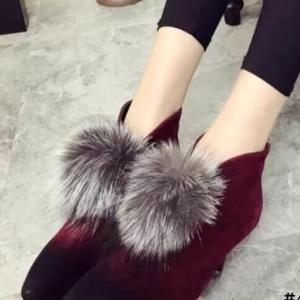 รองเท้าบูทส้นเข็มประดับภู่ (สีแดง)