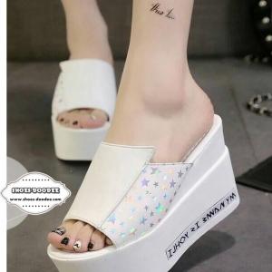 รองเท้าส้นเตารีดสีขาว เปิดหัว สไตล์เกาหลี วัสดุรองเท้าทำจากหนังแก้ว พื้นพียู น้ำหนักเบา เท้าอวบกว้างบวก1