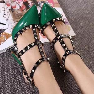 รองเท้าส้นสูงสีเขียว งานนำเข้า หนังแก้ว ตอกหมุดอะไหล่ทองเหลือง อย่างดี ส้นสุง4นิ้ว