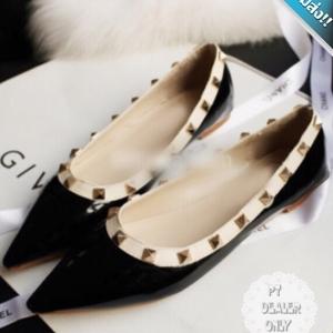 รองเท้าคัทชูส้นเตี้ยสีดำ หัวแหลม ประดับหมุด ทรงวาเลนติโน แนววินเทจ แฟชั่นเกาหลี แฟชั่นพร้อมส่ง