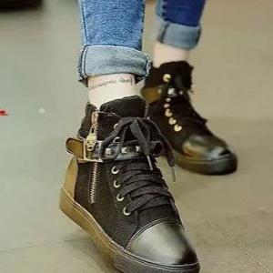 รองเท้าผ้าใบหุ้มข้อสีดำ สริมส้น ผ้าแคนวาส (สีดำ )