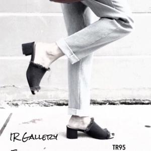 รองเท้าส้นสูงเปิดส้น แบบสวม สไตล์LYN ส้นเหลี่ยม (สีดำ )