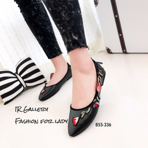 รองเท้าคัทชูส้นแบนหัวแหลมสีดำ ปักดอกไม้ สไตล์gucci (สีดำ )