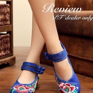 รองเท้าคัทชูปักสีน้ำเงิน งานจีน ผ้าแคนวาส ปักลายดอกไม้ สินค้าเหมือนรูป100%