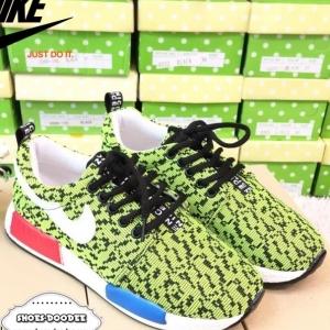 รองเท้าผ้าใบสีเขียวสะท้อนแสง ลำลอง newcollection จากnike งานเท่ห์ๆก้อมาค่ะ สาวกnikeห้ามพลาดน้า