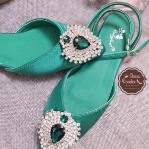 รรองเท้าส้นเตี้ยสีเขียว flat shoes พันข้อทรง Dior หน้าประดับเพชรลอม พลอยติดเพชรแน่นๆไม่หลุดง่าย งานสวยพร้อมส่งที่นี้ที่เดี่ยวค