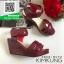 รองเท้าส้นเตารีดรัดส้นสีแดง สายรัดเมจิกเทป (สีแดง ) thumbnail 4