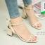 รองเท้าส้นตันรัดข้อสีขาว Rockstud Slingback Sandals (สีครีม )