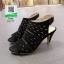 รองเท้าส้นสูง รัดข้อ ฉลุลาย 10177-ดำ [สีดำ] thumbnail 3