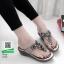 รองเท้าลำลอง แบบหูคีบหนังนิ่ม 6131-เทา [สีเทา] thumbnail 1