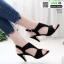 รองเท้าส้นสูงสไตล์ ZARA ฉลุลายกราฟฟิก รัดข้อตะขอ 1333-ดำ [สีดำ] thumbnail 1