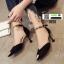 รองเท้าส้นสูง หัวแหลมแต่งอะไหล่ รัดข้อ 0926-BLACK [สีดำ] thumbnail 3