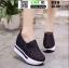 รองเท้าผ้าใบเสริมส้นแบบสวม ST319-BLK [สีดำ] thumbnail 2