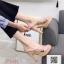 รองเท้าส้นสูงเปิดส้นสีชมพู แบบสวม สายคาดไขว้ (สีชมพู ) thumbnail 2