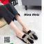รองเท้าส้นเตี้ยเปิดส้นสีดำ ทรงสลิปเปอร์ Style miu miu (สีดำ ) thumbnail 2