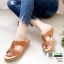 รองเท้าแตะพื้นเตี้ย งานนี้บอกเลยว่านุ่มจนตะลึง 230-6-น้ำตาล [สีน้ำตาล ] thumbnail 1