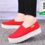 รองเท้าผ้าใบแฟชั่นสีแดง พื้นยางผสมกลิ่นหอมของดอกไม้ (สีแดง ) thumbnail 2