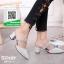 รองเท้าส้นตันหัวแหลมสีเงิน หนังนิ่มผสมกริตเตอร์ (สีเงิน ) thumbnail 1