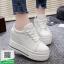 รองเท้าผ้าใบเสริมส้นสีขาว สไตล์เกาหลี (สีขาว ) thumbnail 2