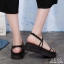 รองเท้าแตะสายไขว้ พื้นหนา 1372-BLK [สีดำ] thumbnail 2