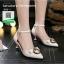 รองเท้าคัทชูส้นเข็มหัวแหลมสีดำ รัดข้อ (สีดำ )