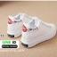 รองเท้าผ้าใบหนังพียูนิ่มแบบผูกเชือก ปักเอกข้างหลัง D-11-ขาว [สีขาว] thumbnail 4