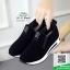 รองเท้าผ้าใบไร้เชือกสีดำ แนวสตรีท (สีดำ ) thumbnail 4