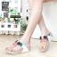รองเท้าสายสุขภาพแต่งดอกไม้สวยงาม L2027-WHT [สีขาว] thumbnail 1