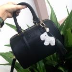 กระเป๋าแบรนด์ Keep รุ่น leather Pillow bag สีดำ พร้อมพวงกุญแจ Little doggy diamond