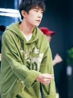 เสื้อฮู้ดแจ็คเก็ตสีเขียว TFBOYS พิมพ์ลายด้านหน้า