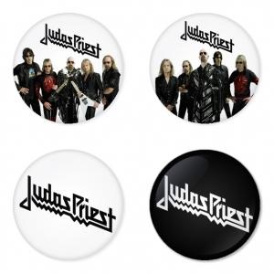 ของที่ระลึกวง Judas Priest เลือกด้านหลังได้ 4 แบบ เข็มกลัด, แม่เหล็ก, กระจกพกพา หรือ พวงกุญแจที่เปิดขวด 1 แพ็ค 4 ชิ้น [6]