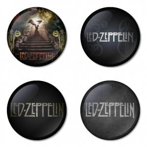 ของที่ระลึกวง Led Zeppelin เลือกด้านหลังได้ 4 แบบ เข็มกลัด, แม่เหล็ก, กระจกพกพา หรือ พวงกุญแจที่เปิดขวด 1 แพ็ค 4 ชิ้น [3]