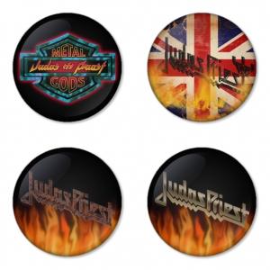 ของที่ระลึกวง Judas Priest เลือกด้านหลังได้ 4 แบบ เข็มกลัด, แม่เหล็ก, กระจกพกพา หรือ พวงกุญแจที่เปิดขวด 1 แพ็ค 4 ชิ้น [8]