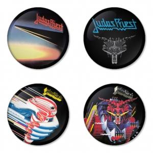 ของที่ระลึกวง Judas Priest เลือกด้านหลังได้ 4 แบบ เข็มกลัด, แม่เหล็ก, กระจกพกพา หรือ พวงกุญแจที่เปิดขวด 1 แพ็ค 4 ชิ้น [13]