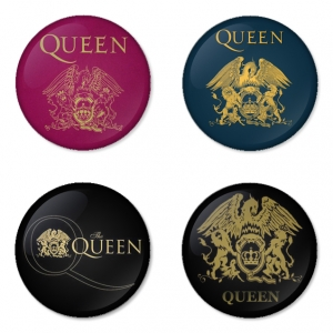 ของที่ระลึกวง Queen เลือกด้านหลังได้ 4 แบบ เข็มกลัด, แม่เหล็ก, กระจกพกพา หรือ พวงกุญแจที่เปิดขวด 1 แพ็ค 4 ชิ้น [5]