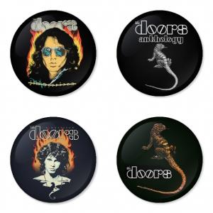 ของที่ระลึกวง The Doors เลือกด้านหลังได้ 4 แบบ เข็มกลัด, แม่เหล็ก, กระจกพกพา หรือ พวงกุญแจที่เปิดขวด 1 แพ็ค 4 ชิ้น [7]