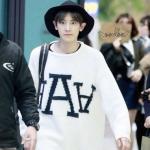 เสื้อแขนยาวแฟชั่นสีขาว EXO ทรงหลวม ลายอักษร