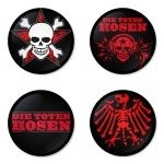 ของที่ระลึกวง Die Toten Hosen เลือกด้านหลังได้ 4 แบบ เข็มกลัด, แม่เหล็ก, กระจกพกพา หรือ พวงกุญแจที่เปิดขวด 1 แพ็ค 4 ชิ้น [6]