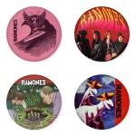 ของที่ระลึกวง Ramones เลือกด้านหลังได้ 4 แบบ เข็มกลัด, แม่เหล็ก, กระจกพกพา หรือ พวงกุญแจที่เปิดขวด 1 แพ็ค 4 ชิ้น [15]