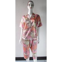 ชุดนอนกางเกงขาสามส่วนผ้าซาติน ขนาดฟรีไซส์ สีส้ม+น้ำตาลลายหยดน้ำ รอบอกเสื้อ 40 นิ้ว