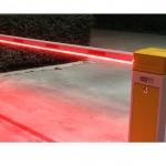 ระบบไฟ LED เขียวแดงทำงานร่วมกับการยกขึ้นลงของไม้กั้นรถยนต์