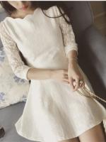 เดรสสีขาว ผ้าหนาเลยคะต่อลายลูกไม้ซีทรูตรงแขน คอหยักสวย ซิปหลัง