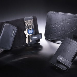 กระเป๋าพวงกุญแจ BEAMS mini purse key case x MonoMax Magazine