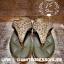 รองเท้าสุขภาพ โซฟาสีทองอร่ามสวย หน้าเพชรลายสวยมากก บุด้านในคาดนุ่มสบายเท้า ด้านข้างคาดหนังสีทองสวย thumbnail 3