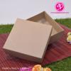 กล่องฝาครอบ ไม่มีหน้าต่าง สีคราฟน้ำตาล ขนาด 13.6 x 13.6 x 3.3 ซม. (บรรจุ 50 กล่องต่อแพ็ค)