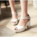 พร้อมส่ง รองเท้าแฟชั่น สีขาว ไซส์ 39 รหัส PP-5-2749