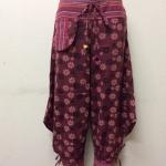 กางเกงผ้าพื้นเมืองภาคเหนือ ทรงสะกา สีแดงเลือดหมูพิมพ์ลายดอก