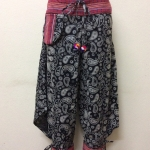 กางเกงผ้าพื้นเมืองภาคเหนือ ทรงสะกา สีดำพิมพ์ลายดอก