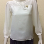 เสื้อคอกลมแขนยาวผ้าชีฟอง By SEVEN สีขาว